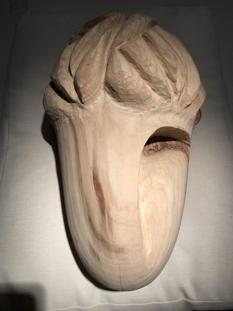 pierrick-gandolfo-sculpteur-sculpture-rouen-houppeville-creation-bois-artiste-creation-fou-du-roi-4