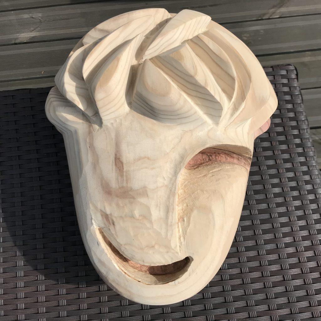 pierrick-gandolfo-sculpteur-sculpture-rouen-houppeville-creation-bois-artiste-creation-fou-du-roi-5