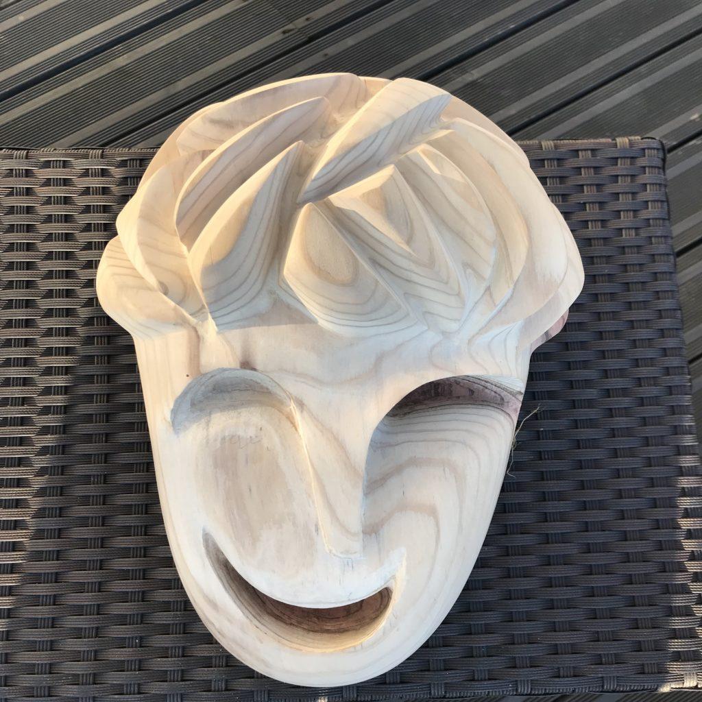 pierrick-gandolfo-sculpteur-sculpture-rouen-houppeville-creation-bois-artiste-creation-fou-du-roi-6
