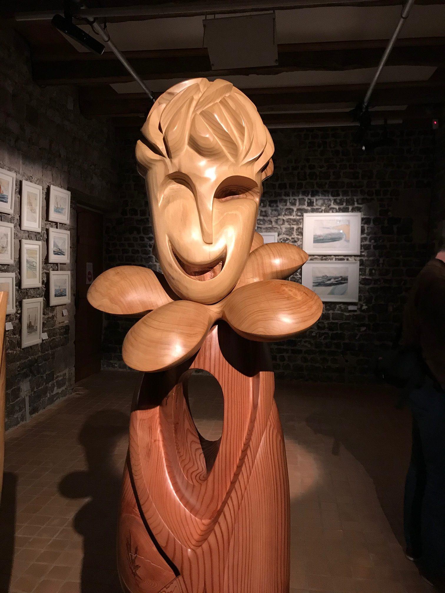 pierrick-gandolfo-sculpteur-sculpture-rouen-houppeville-creation-bois-artiste-fou-du-roi-4